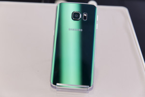 Задняя панель зеленого Samsung Galaxy S6 Edge