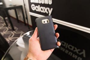 Samsung Galaxy S6 Edge в чехле